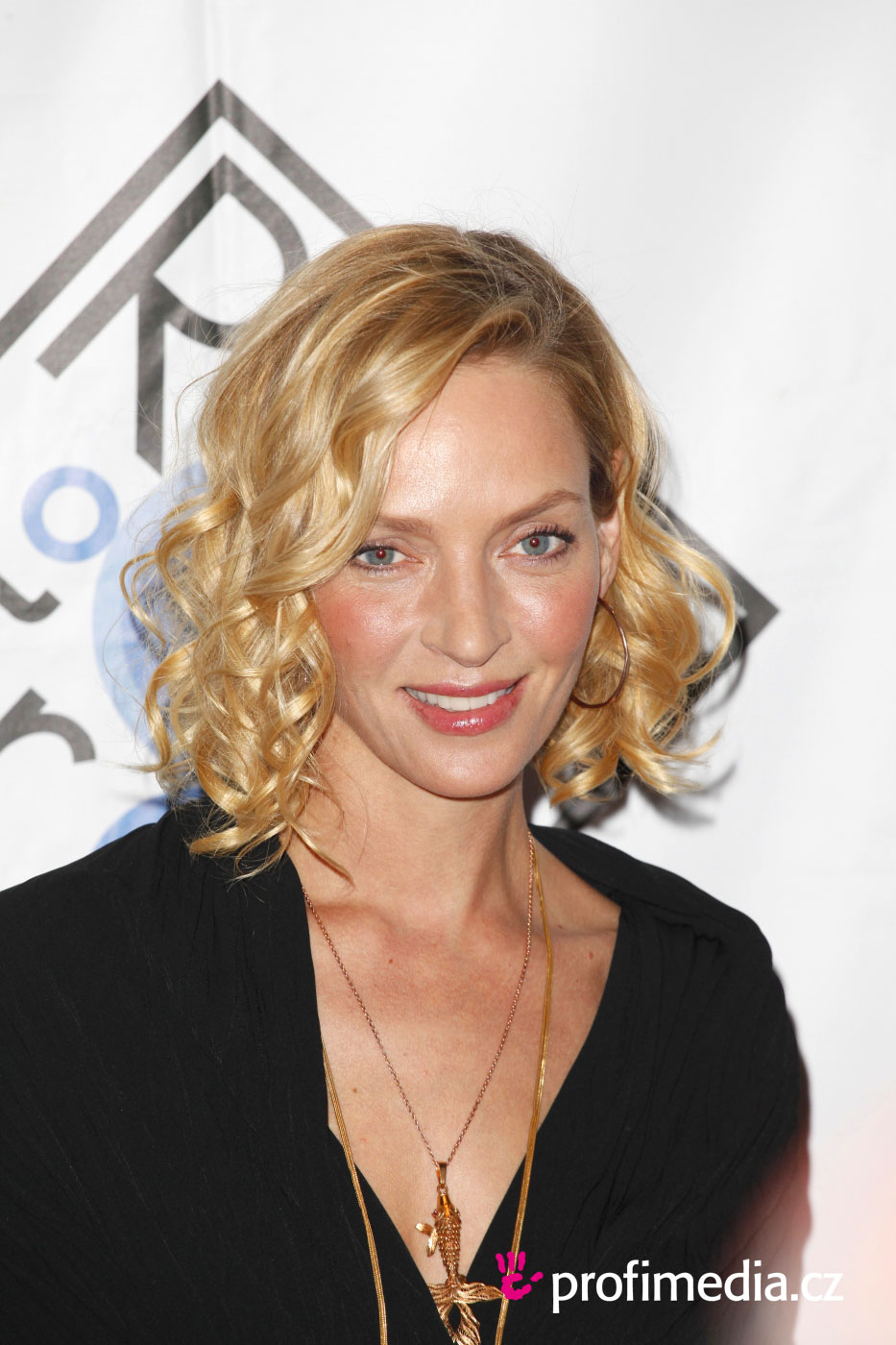 names of haircuts uma thurman hairstyle easyhairstyler 2810
