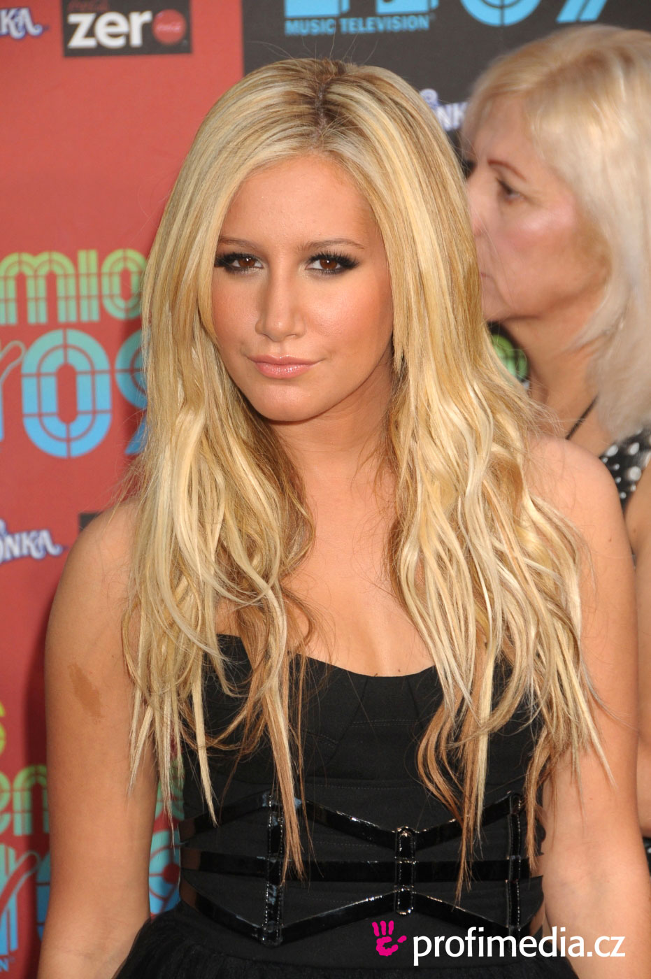Ashley Tisdale   hairstyle  easyHairStyler - Easy Formal Hairstyles