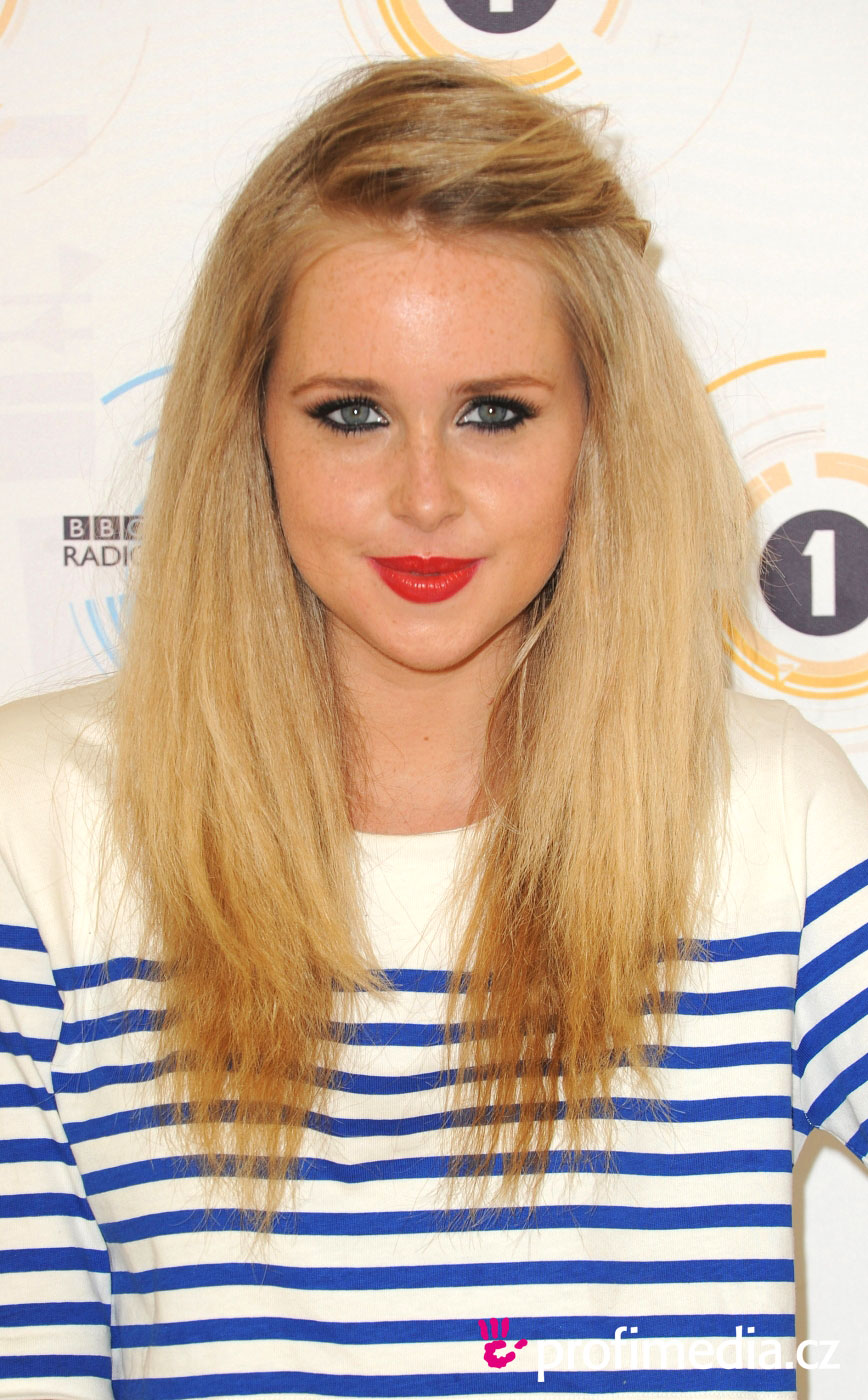 Diana Vickers Hairstyle Easyhairstyler