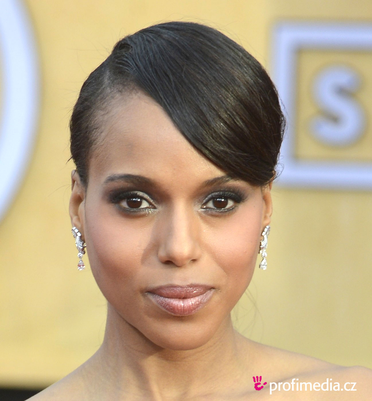 Kerry washington coiffure happyhair for Miroir virtuel coiffure
