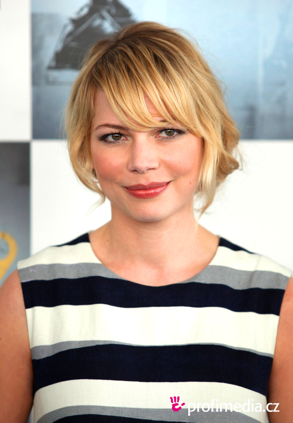 Michelle Williams Hairstyle Easyhairstyler