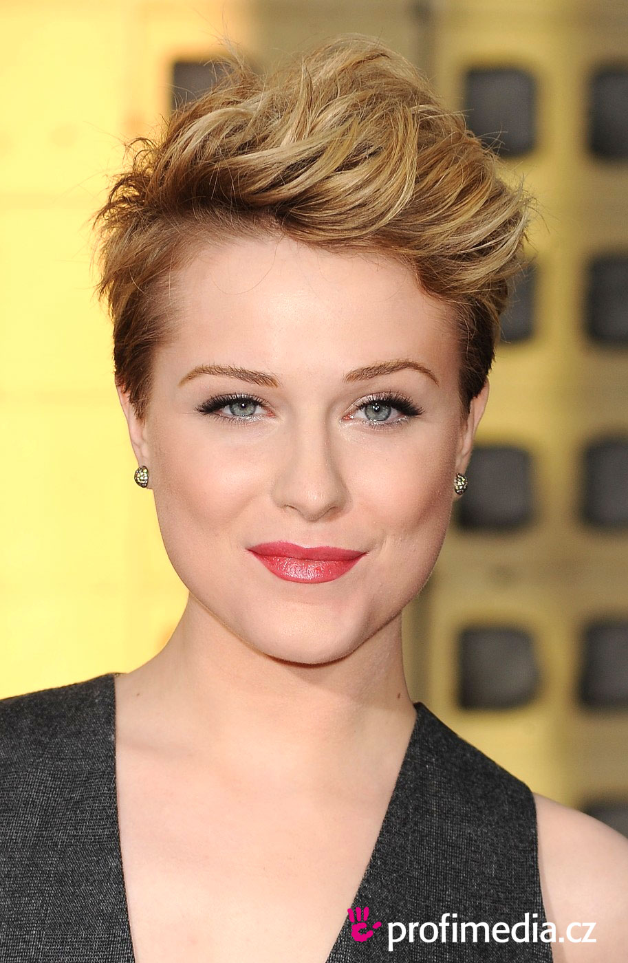 Evan Rachel Wood Hairstyle Easyhairstyler